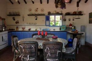 Las reservaciones incluyen un suculento desayuno en la cálida cocina de La Solariega