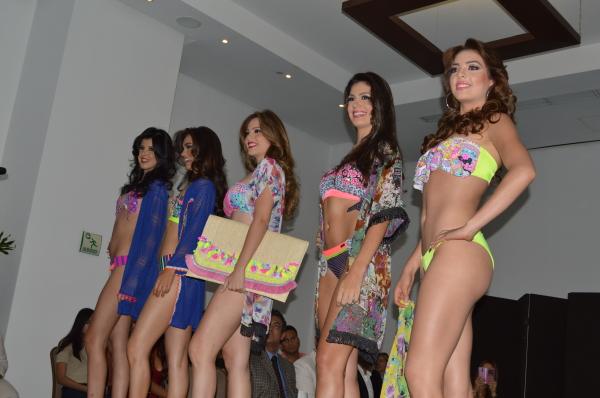 Las candidatas lucieron espléndidas en traje de baño.