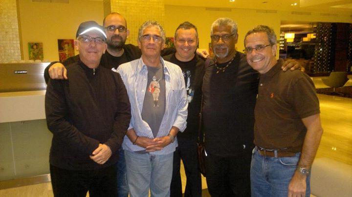 Javier Gomez con artistas