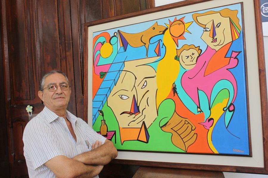 Sergio Moragas con su obra para Los Tres de 70