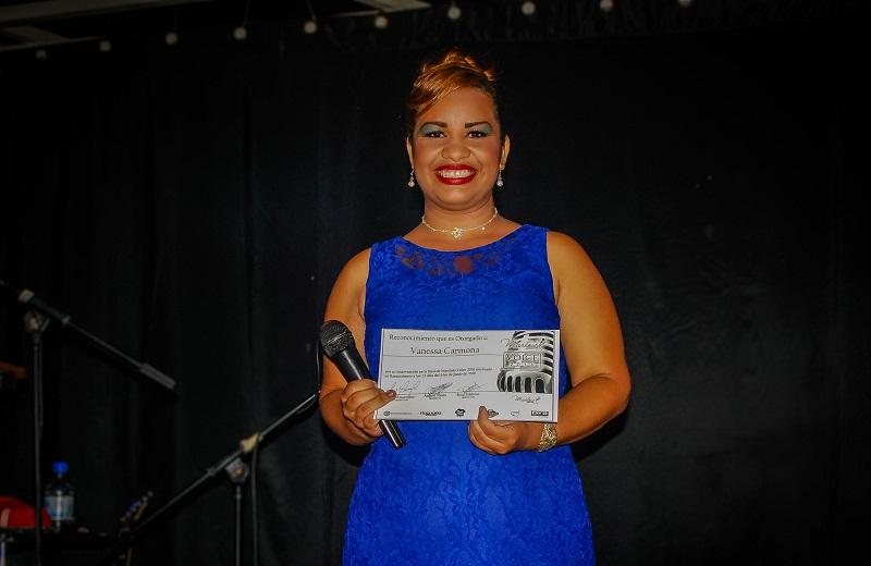 ganadora martinis voice2016