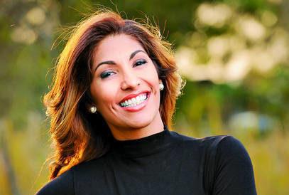 periodista y conferencista Eva Karina Aquilera