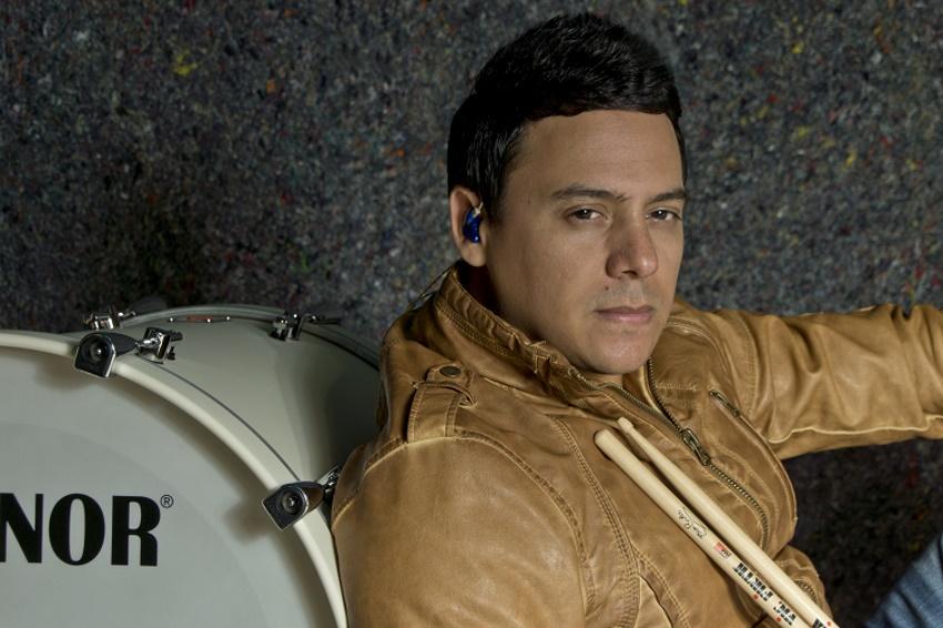 Enzo Bacino baterista