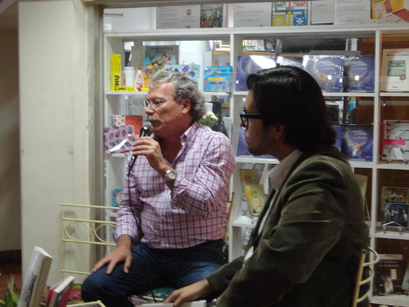 Visitantes de la Librería El Clip